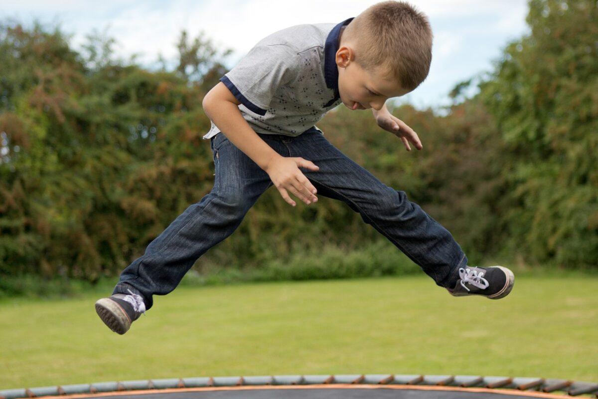 Sådan aktiverer i børnene fysisk i vinterferien